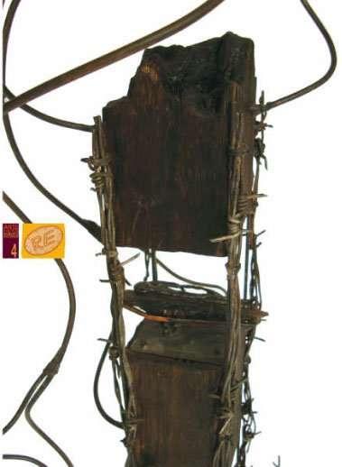 escultura madera vidrio chatarra vitral cobre